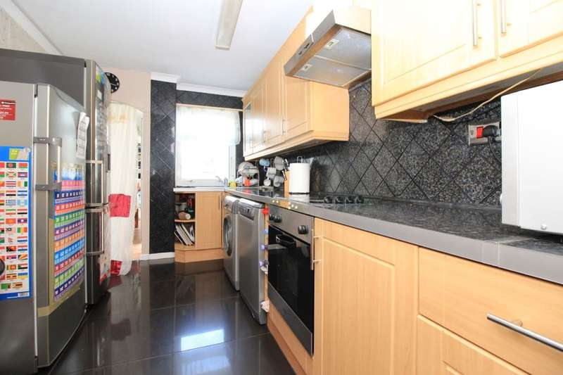 3 Bedrooms Property for sale in Viking Close, SOUTHAMPTON, SO16