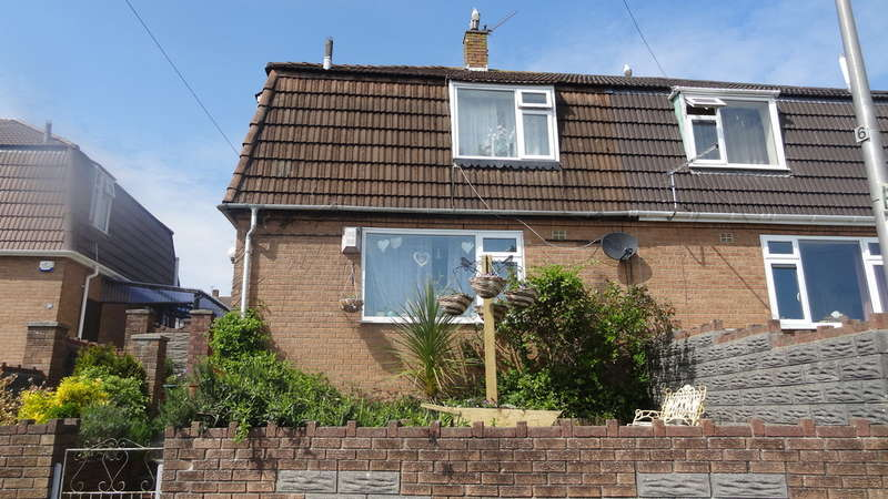 3 Bedrooms Semi Detached House for sale in Shelley Crescent, Barry