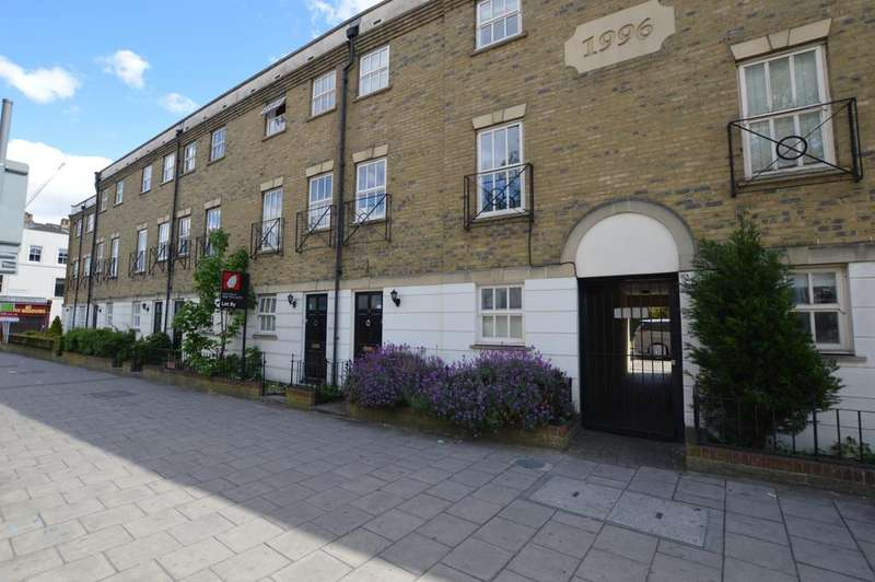 3 Bedrooms Town House for sale in Peckham Rye Peckham SE15