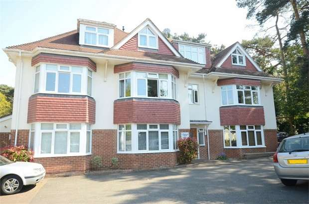 2 Bedrooms Flat for sale in Howard Road, Queens Park, Bournemouth