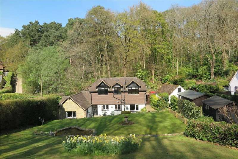 3 Bedrooms Detached House for sale in Beech Hill Road, Headley, Hampshire, GU35