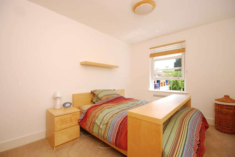 1 Bedroom Flat for sale in East Dulwich Road, East Dulwich, SE22