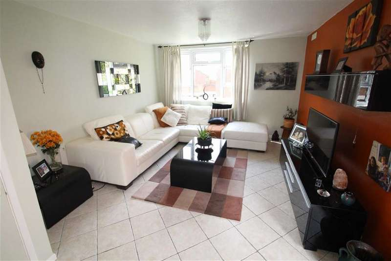 2 Bedrooms Maisonette Flat for sale in Bruffs Meadow, Northolt, Middlesex