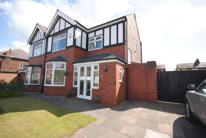 3 Bedrooms Property for sale in Mesnes Road, Wigan