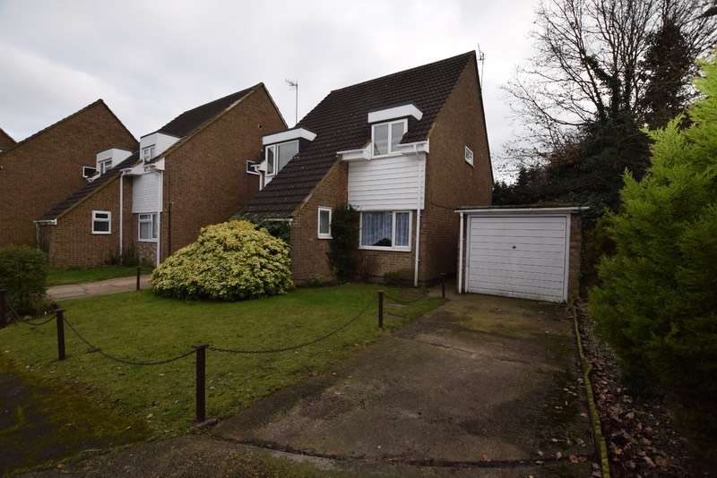 4 Bedrooms Detached House for sale in Tynedale, London Colney, Hertfordshire, AL2
