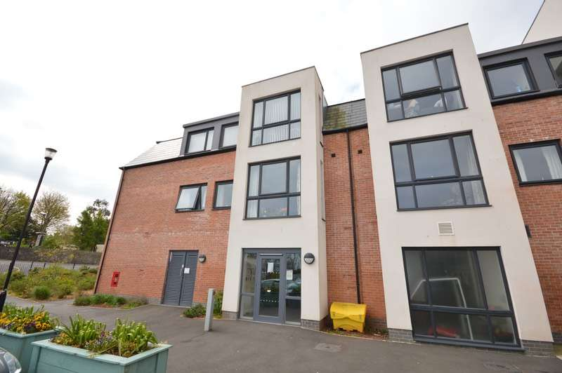 2 Bedrooms Flat for sale in Hayes Road, Paignton, Devon, TQ4