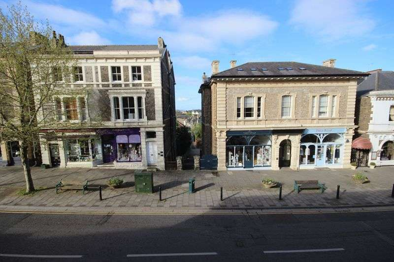 2 Bedrooms Flat for sale in Hill Road, Clevedon
