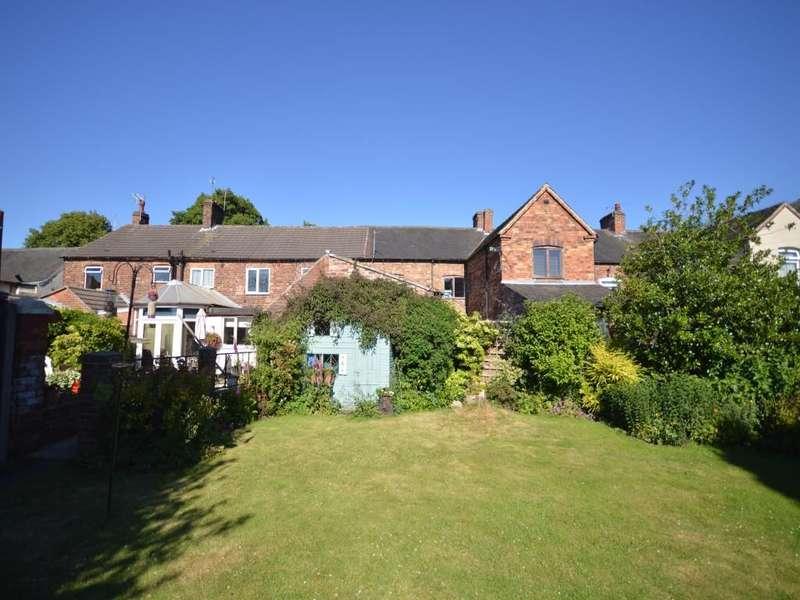3 Bedrooms Property for sale in Market Street, Church Gresley, Swadlincote, DE11