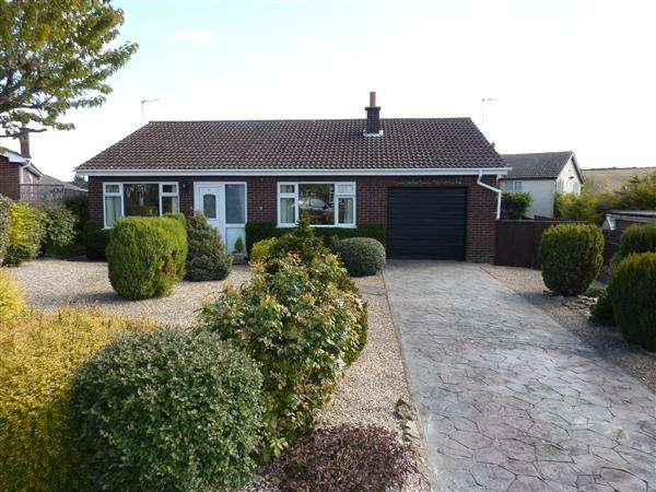3 Bedrooms Detached Bungalow for sale in SOUTHFIELDS, BINBROOK, MARKET RASEN