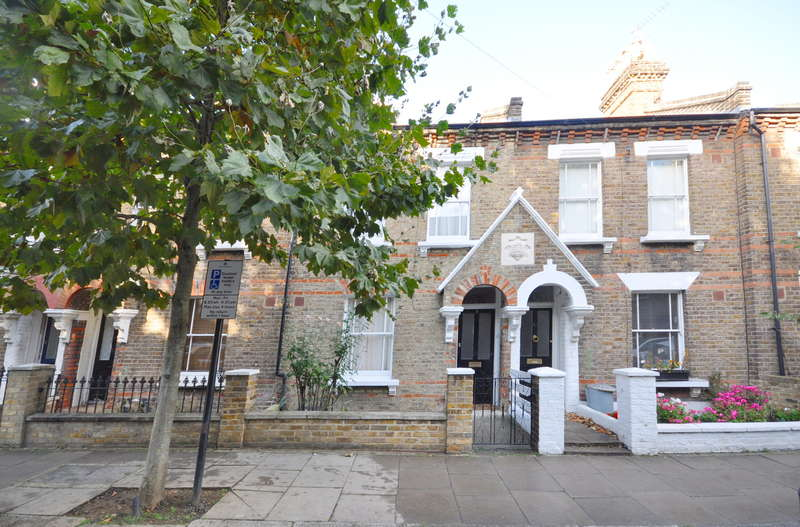 3 Bedrooms Terraced House for sale in Droop Street, Queens Park, LONDON, W10