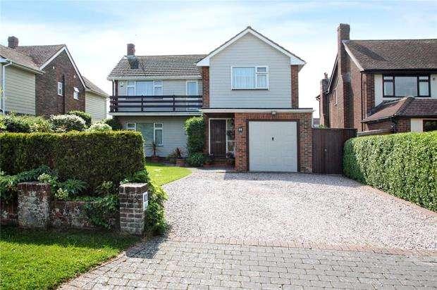 3 Bedrooms Detached House for sale in Golden Avenue, West Kingston Estate, East Preston, West Sussex, BN16