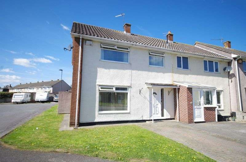 3 Bedrooms House for sale in Newnham Place, Patchway, Bristol