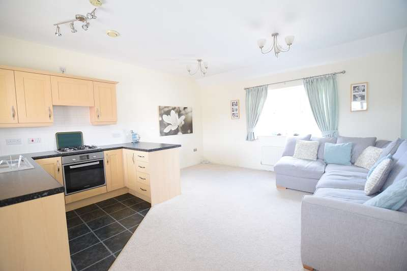2 Bedrooms Apartment Flat for sale in Caerphilly Road, Llanishen, Cardiff. CF14 4NF