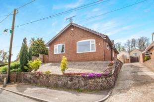 3 Bedrooms Bungalow for sale in Stonehall, Lydden, Dover, Kent