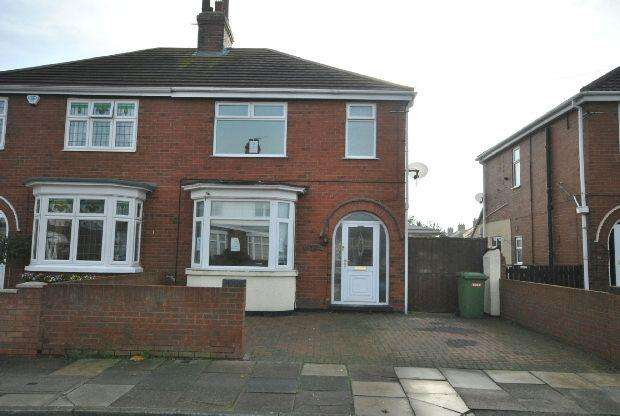 3 Bedrooms Semi Detached House for sale in Robson Road, CLEETHORPES