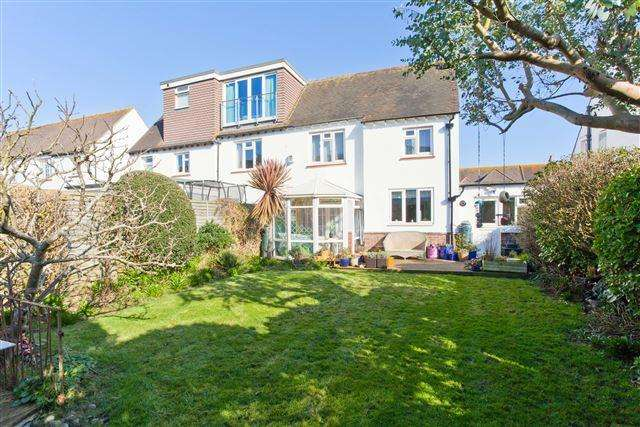 3 Bedrooms Semi Detached House for sale in Derek Avenue, Hove
