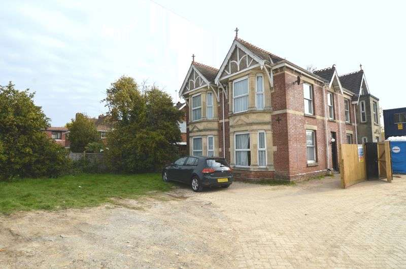 5 Bedrooms Detached House for sale in Titchfield Road, Stubbington, Fareham