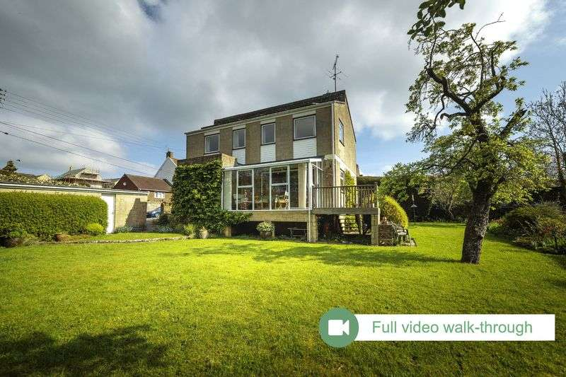 4 Bedrooms Detached House for sale in Moorlands Road, Merriott