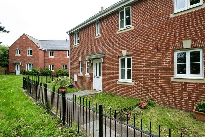 3 Bedrooms Terraced House for sale in Heraldry Row