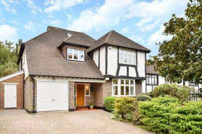 5 Bedrooms Detached House for sale in The Knoll, Beckenham