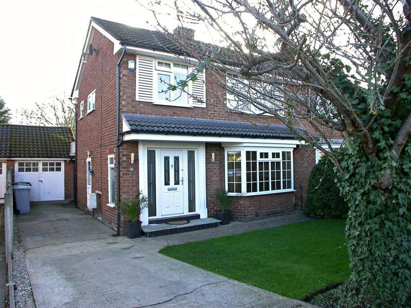 3 Bedrooms Semi Detached House for sale in POYNTON (MEADWAY)