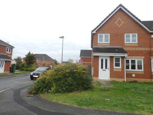 3 Bedrooms Semi Detached House for sale in Milton Close, Ellesmere Port CH65