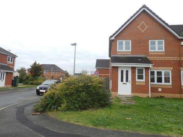3 Bedrooms Semi Detached House for sale in Milton Close, Ellesmere Port CH65