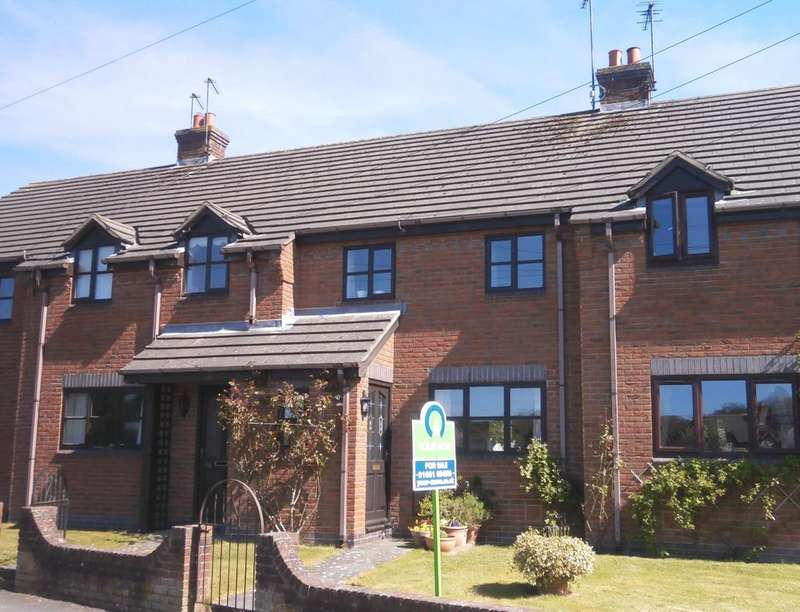 3 Bedrooms Property for sale in School Lane, Trefonen, Oswestry, SY10