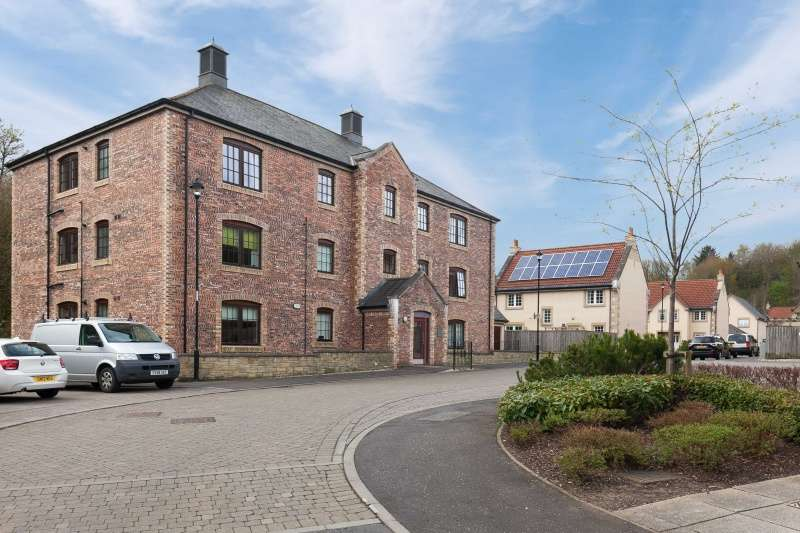 2 Bedrooms Flat for sale in Esk Bridge, Penicuik, Midlothian, EH26 8QR