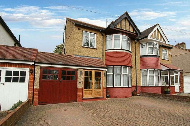 4 Bedrooms Semi Detached House for sale in Lancaster Road, North Harrow