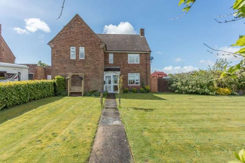 3 Bedrooms Detached House for sale in Lancaster Road, Brookenby, Lincolnshire, LN8