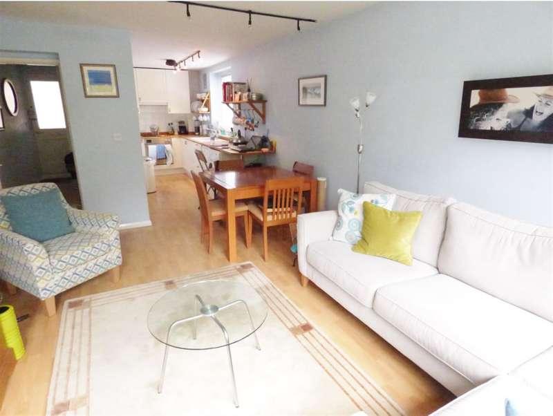 1 Bedroom Flat for sale in Servius Court, Brentford Dock, TW8
