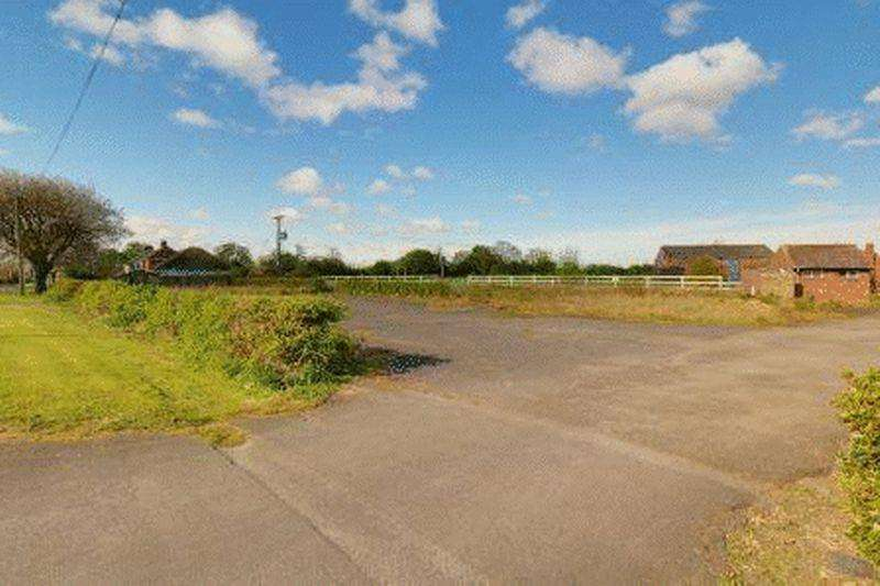5 Bedrooms Plot Commercial for sale in Brigg Road, Hibaldstow