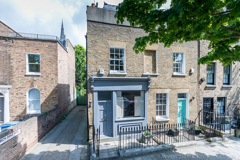 3 Bedrooms End Of Terrace House for sale in Camberwell Grove, Camberwell, SE5