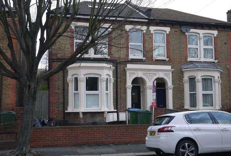 1 Bedroom Duplex Flat for sale in Borthwick Road, London, Greater London. E15