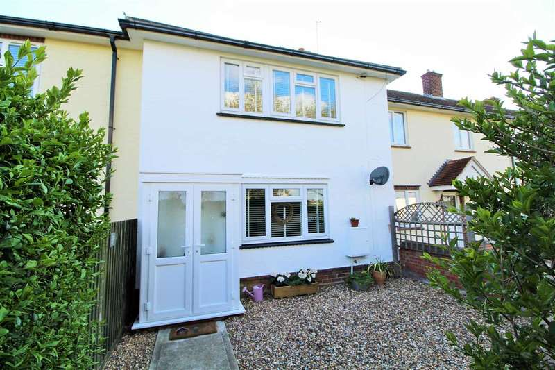3 Bedrooms Terraced House for sale in Boadicea Way, Shrub End, Colchester