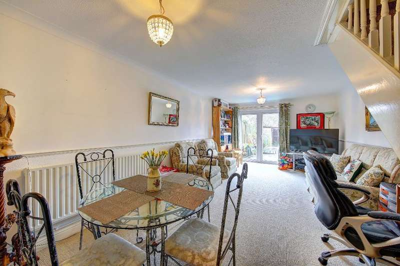 2 Bedrooms Terraced House for sale in Battle Close, Wimbledon, London, SW19 1AL