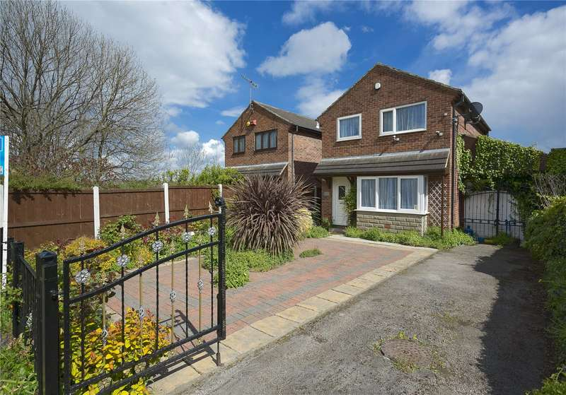 3 Bedrooms Detached House for sale in Abbott Road, Leeds, West Yorkshire, LS12