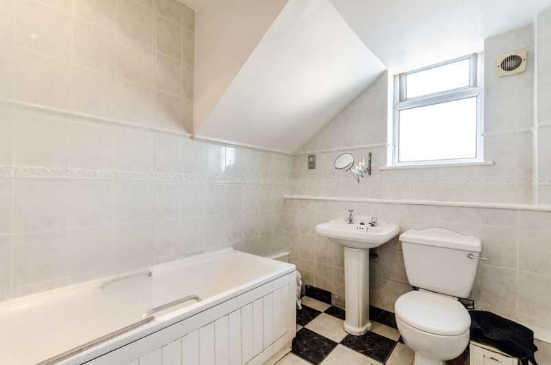 2 Bedrooms Flat for sale in High Street, South Norwood, SE25