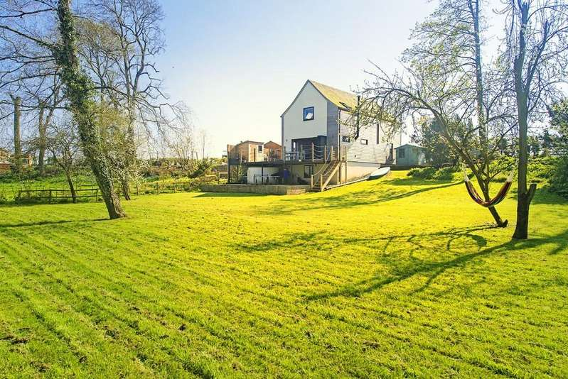 4 Bedrooms Detached House for sale in Thorpe Underwood, York