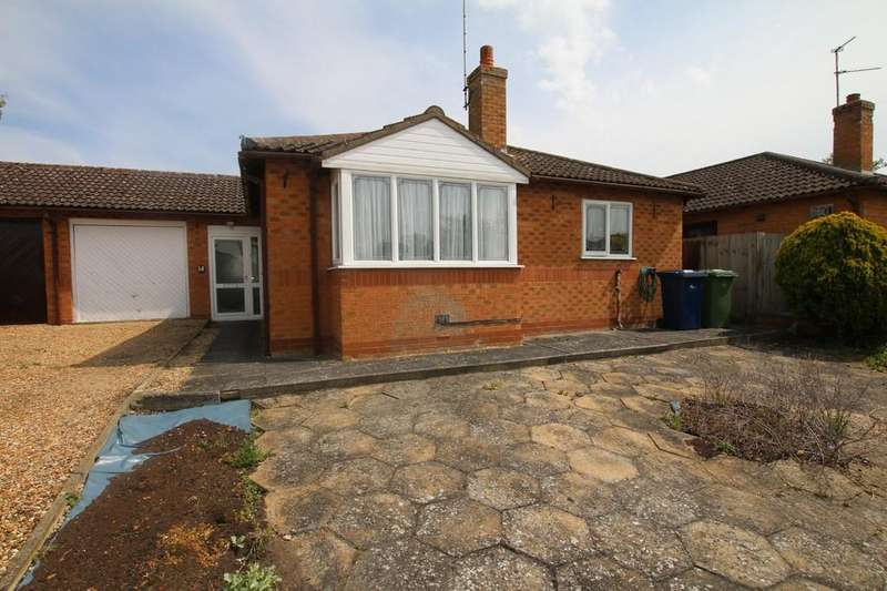 2 Bedrooms Detached Bungalow for sale in James Gage Close, Chatteris