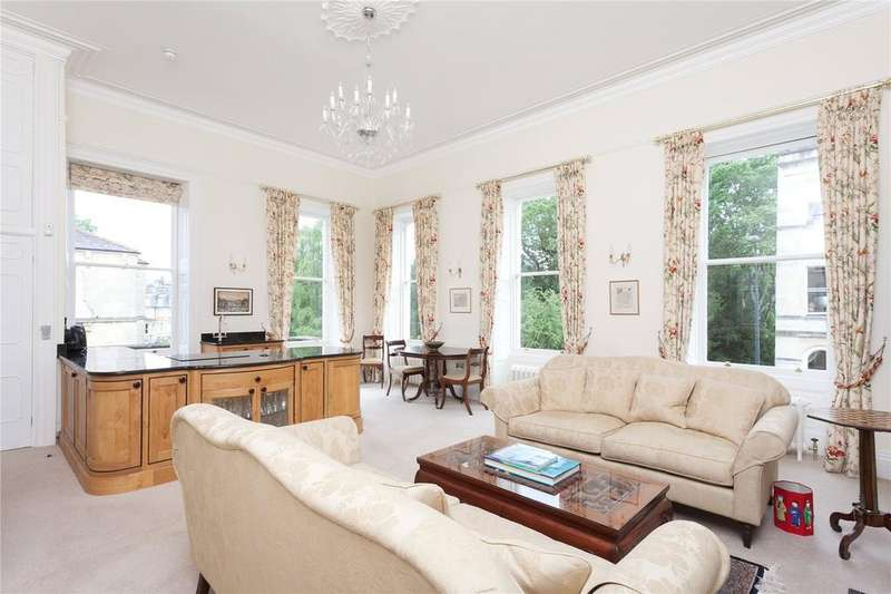 2 Bedrooms Flat for sale in Henrietta Street, Bath, BA2