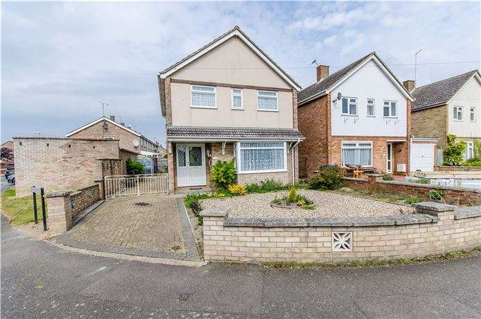 3 Bedrooms Detached House for sale in Chelwood Road, Cherry Hinton, Cambridge