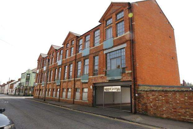 2 Bedrooms Apartment Flat for sale in Grove Works, 72 Clare Street, The Mounts, Northampton, NN1