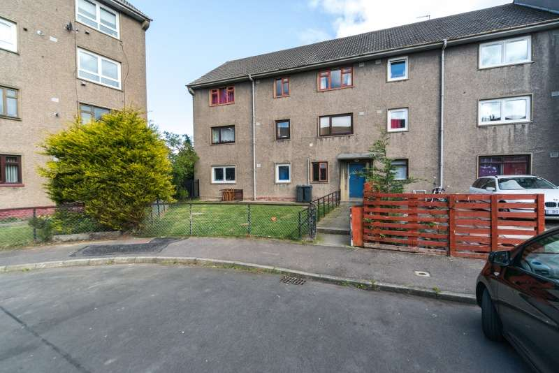 2 Bedrooms Ground Flat for sale in Wester Drylaw Drive, Drylaw, Edinburgh, EH4 2SZ