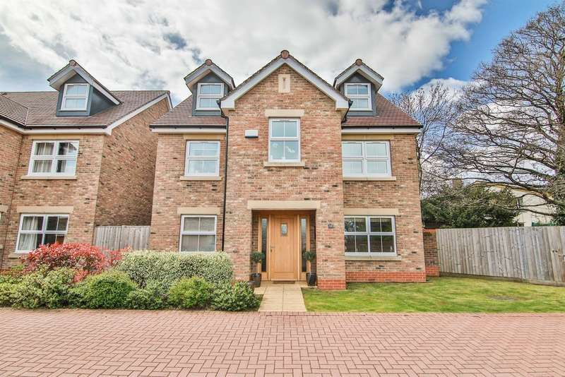4 Bedrooms Detached House for sale in Usk Road, Llanishen, Cardiff