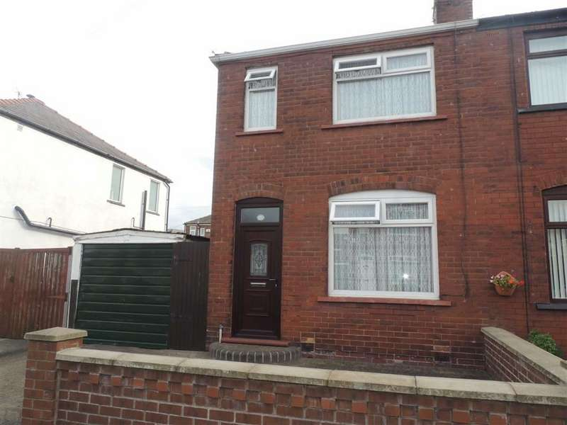 2 Bedrooms Property for sale in Clifford Avenue, Denton, Manchester