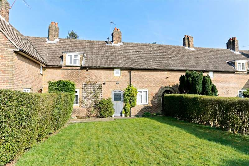 3 Bedrooms Terraced House for sale in Malthouse Square, Beaconsfield, Buckinghamshire, HP9