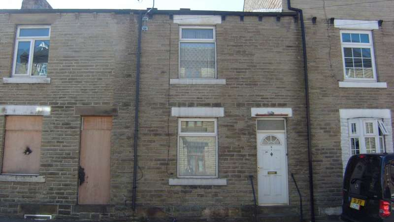 3 Bedrooms Terraced House for sale in Savile Grove, Dewsbury