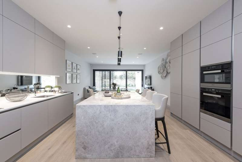 5 Bedrooms End Of Terrace House for sale in Bolingbroke Terrace, Bolingbroke Grove, Battersea, London